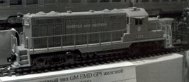 Тепловоз товарный типа GM EMD GP9 железной дороги Norfolk and Western. A&K tt-modell, ФРГ. 2009-2011 гг.